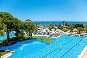 CLUB_MAGIC_LIFE_Belek_Imperial_-_Activity_Pool2-300x200