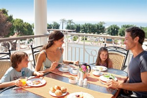 CLUB_MAGIC_LIFE_Belek_Imperial_-_Fruehstueck_Familie-300x200