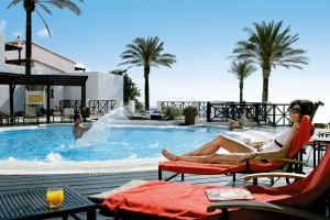 CLUB_MAGIC_LIFE_Fuerteventura_Imperial_-_Private_Lodge_Whirlpool_Liege-300x200