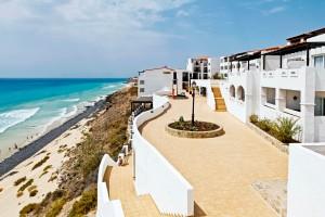 CLUB_MAGIC_LIFE_Fuerteventura_Imperial_-_Weg_zum_Strand-300x200
