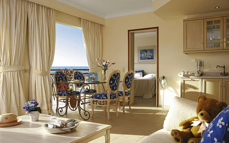 TUI-best-FAMILY-Grecotel-Marine-Palace-Suites1