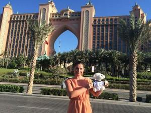 Mimo-in-Dubai-vorm-Atlantis-Hotel-300x225