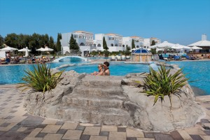 CLUB_MAGIC_LIFE_Marmari_Palace_Imperial_-_Jacuzzi-300x200