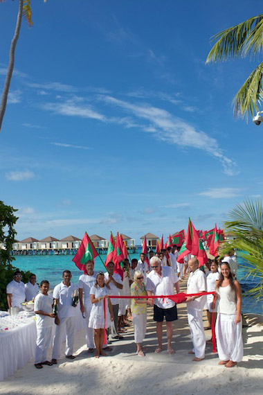 ROBINSON-Club-Maldives_Eröffnung-Wasservillen_1