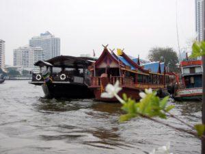 Chao-Phraya-Fluss_Bangkok-300x225