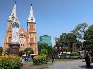 Kathedrale-Notre-Dame_Ho-Ci-Minh-Stadt-300x225